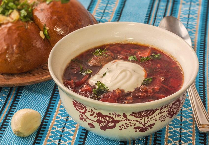 Борщ - смачний символ України фото опис