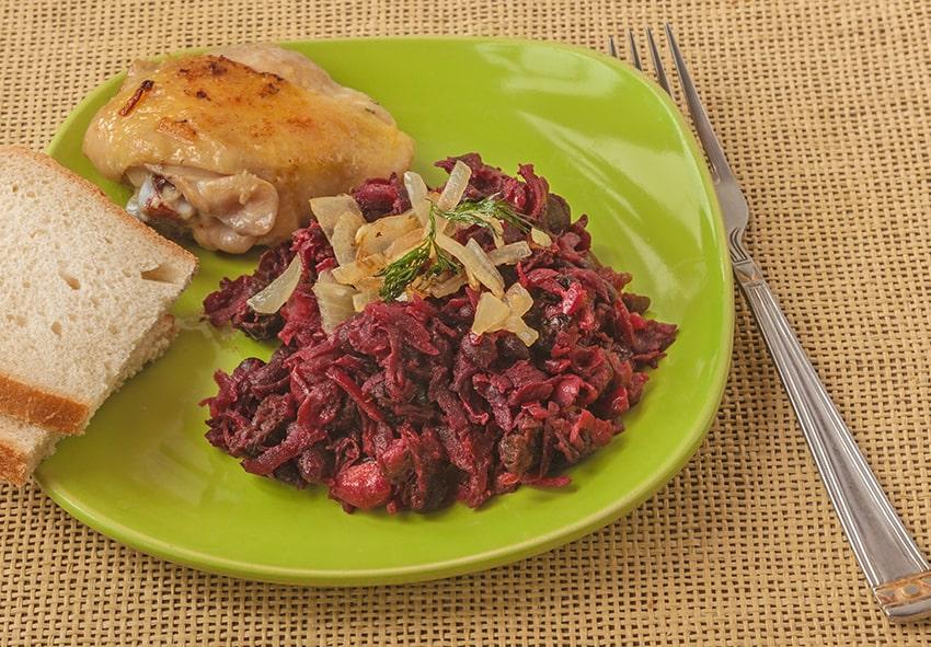 Салат із буряку з м'ясом
