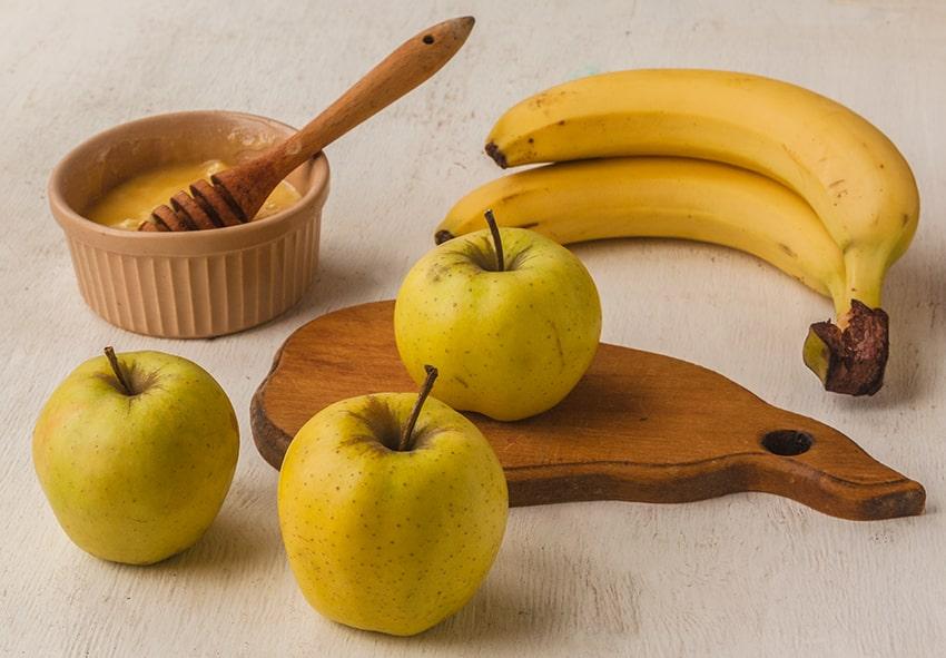 Напиток из бананов, яблок и меда фото описание