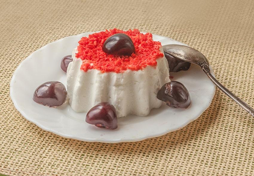 Сирний десерт з літніми ягодами фото опис