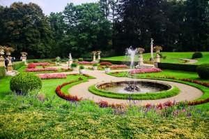 garden-444429_1280